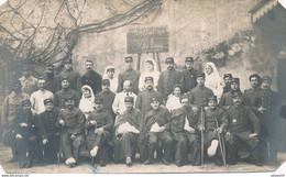 Carte-Photo : Portrait Militaires - Hôpital Militaire N°119bis à TOURNON (Rhône) (BP) - Guerra, Militari