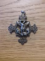 Tres Jolie Croix Saint Georges Terrasant Un Dragon - Colgantes
