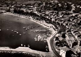 83 / SAINTE MAXIME / VUE AERIENNE / LA PLAGE ET LA VILLE / 1959 / - Sainte-Maxime