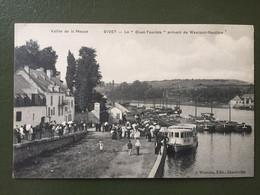 """Vallée De La Meuse -GIVET : """" Le Givet Touriste"""" Arrivant De Waulsort-Hastière - Givet"""