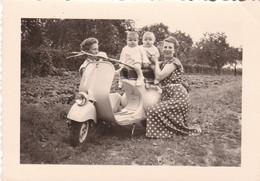 Moto Vespa ? Photo 10 X 7.5 - Alben & Sammlungen