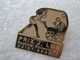 PIN'S   PIN UP  SAINT BENOIT 92 - Pin-ups
