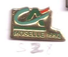 S04 Pin's Bank Banque Crédit Agricole Moselle 92 Achat Immédiat - Banques