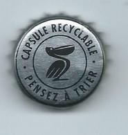 B 202 - CAPSULE  DE BIERE  - PELFORTH - CAPSULE RECYCLABE - PENSEZ A TRIER - BRASSERIE LE PELICAN - Bière