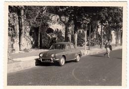 FOTOGRAFIA - AUTOMOBILI - CARS - RENAULT DAUPHINE - Foto GHIZZONI Di SCOTTI - COMO - 1962 - Vedi Retro - Automobili
