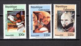 GABON N° 783 à 785  NEUFS SANS CHARNIERE COTE  ? €   PEINTRE TABLEAUX - Gabon (1960-...)
