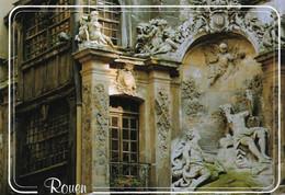 76 Rouen Gros Horloge Et Fontaine (carte Vierge) - Rouen
