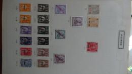 N130 Belle Collection De Timbres Sur Feuilles  De Différents Pays Dont Açores, Allemagne, Angola ... A Saisir  !! - Collections (en Albums)