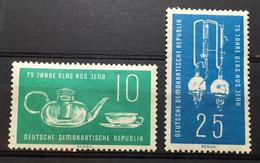 (698) DDR 1959 : Sc# 452-453 JENA GLASSWARE DISTILLING APPARATUS FLASS TEA SERVICE - MH - Ongebruikt