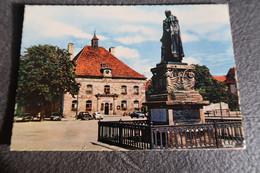 CPSM - PHALSBOURG(57) - Hôtel De Ville Et Statue Du Maréchal Mouton - Other Municipalities