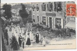Perros Guirec - Procession Devant La Pension De Famille Geffoy - Perros-Guirec