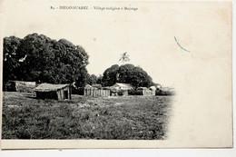 84. DIEGO-SUAREZ.-Village Indigène à Majunga - Madagascar