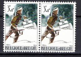 1296** V3 Petit Point Rouge Sous Le Char - Cote 3,50 € - Abarten (Katalog Luppi)