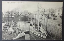 CPA 29 BREST - Le Port De Commerce- ( Un Bateau Chargé De Tonneaux ) - Villard 3823 - Réf. G 238 - Brest