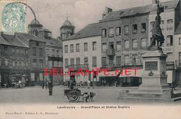 59 // LANDRECIES   La Grand Place Et Statue Dupleix / ATTELAGE DE CHIEN   EDIT L.S. - Landrecies