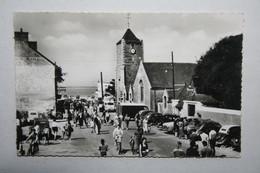44 : Saint Brévin Les Pins - L'Eglise Et L'Avenue De La Plage  ( Belle Animation ) - Saint-Brevin-les-Pins