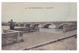 49 Les Ponts De Cé Vers Angers N°49 Le Grand Pont Homme à Casquette VOIR DOS - Angers
