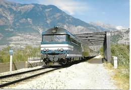 05 - MONTDAUPHIN GUILLESTRE - LE TRAIN VAL DE DURANCE - BB67457 - LE RAIL USSELOIS - PARFAIT ETAT - Trains
