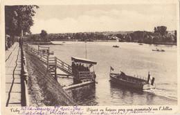 Vichy (03) - Départ D'un Bateau Pour Une Promenade Sur L'Allier - Vichy