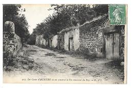 AUBIERE  (cpa 63)   Les Caves Ou Est Conservé Le Vin Renommé Du Pays   -   L 1 - Aubiere