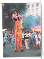 CIRQUE KNIE -  - PARADE A GENEVE 9/86 - GEANT SUR ECHASSES - 300 EX. - ETAT NEUF - Circus