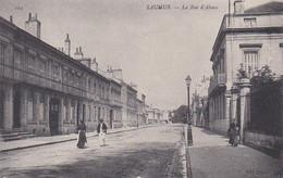 SAUMUR RUE D'ALSACE PERSONNAGES  REF 68884 - Saumur