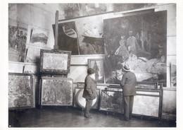 CPM (Peintre)  MONET Dans Son Atelier à  GIVERNY   Doc Roger Viollet - Entertainers