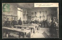 CPA Génelard, Atelier Scolaire Annexe..., Schüler In Werkstatt - Non Classificati