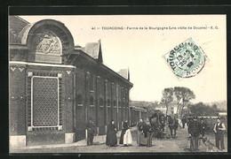 CPA Tourcoing, Ferme De La Bourgogne, Une Visite De Douane - Tourcoing