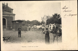 CPA Trappes Yvelines, Place De La Gare, Boeufs Et Cheveaux - Other Municipalities