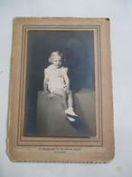 Oude Foto   Van Kindje   Door  Fotograaf   A .  THIENPONT    AALST - Personas Identificadas