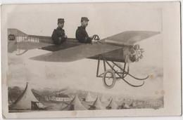 Carte Photo Montage Surréalisme Fêt2 Soldats Dans Un Avion Camp Du Larzac - Piloten