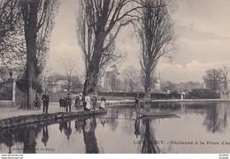 D93  LE RAINCY Pêcheurs à La Pièce D'Eau - Le Raincy