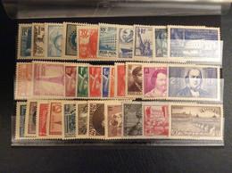 Année 1939 Complète Du 419 Au 450. Timbres Neufs - ....-1939