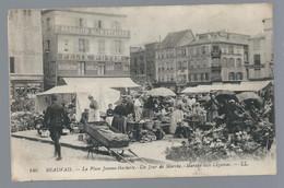 BEAUVAIS      La Place Jean Hachette  Un Jour De Marché        Animées     écrite En 1914 - Beauvais