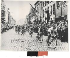 Van Steenbergen -willebroek 1957 (foto 18/24cm) (gesigneerd) - Cyclisme
