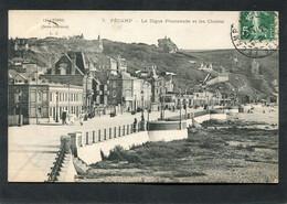 CPA - FECAMP - La Digue Promenade Et Les Chalets, Animé - Fécamp
