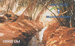 Mauritania, MR-MAU-NAT-0015G, 10 000 UM,  Oasis  (01-12-2001), 2 Scans. - Mauritanië