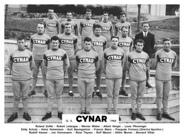 PHOTO RENFORCÉE, HAUTE CALITE, GROUPE TEAM CYNAR 1965 FORMAT 14,9 X 20 - Radsport