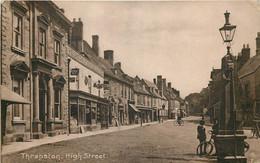 U.K. -  Thrapston - High Street - Northamptonshire