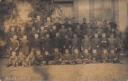 LEZE FRANCE-GROUPE DE GARÇONS-GROUP OF BOYS PHOTO POSTCARD 50708 - Non Classificati