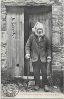 GRANVILLE -- Jean Beaufils à La Porte De Sa Maison - Granville