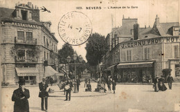 N° 3667 Z -cpa Nevers -l'avenue De La Gare- - Nevers