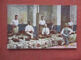 Buying Tpbacco  In Havana  Ref  4534 - Cuba