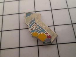 712e Pins Pin's / Rare & Belle Qualité THEME AUTRES / ETAT DES USA CALIFORNIA SURFEUR FRUITS - Games