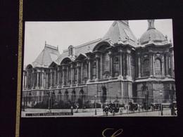 59301 . LILLE . LE PALAIS DES BEAUX ARTS . ATTELAGES . L.V.C. - Lille