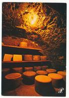CPSM / CPM 10.5 X 15 Cantal  Affinage Du Fromage Dans Une Cave   Carte Prestige - Non Classés