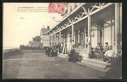CPA Jullouville, De Granville Au Mont Saint-Michel, La Verandah Du Casino - Le Mont Saint Michel