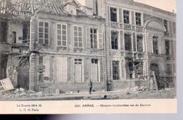 REF 536 CPA 62 ARRAS Maisons Bombardées Rue Du Saumon - Arras
