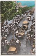 CPSM Blida (Algérie)  Fête Indépendance 1962 Les Véhicules De L'Armée Nationale Populaire Font Leur Entrée Jomone  Rare - Blida